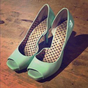 Classic turquoise low heels